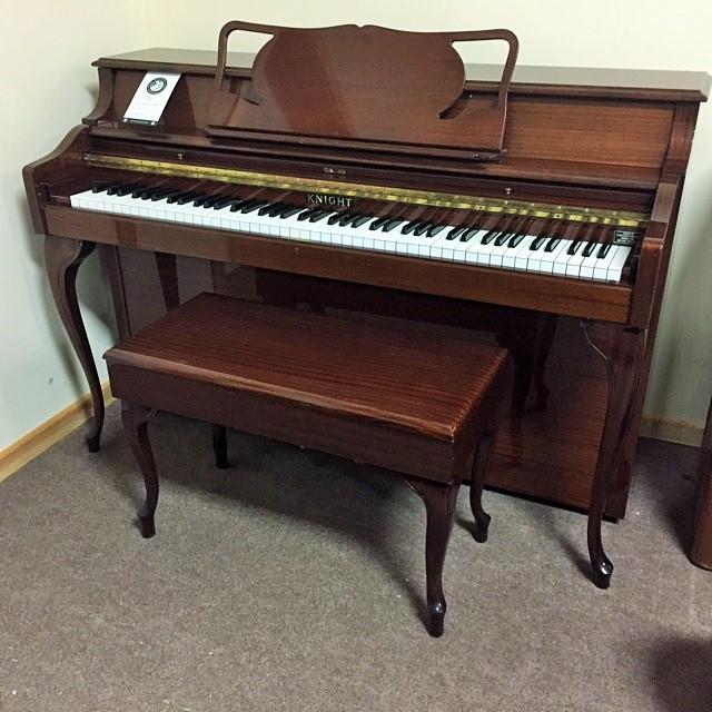 americian-style-knight-piano