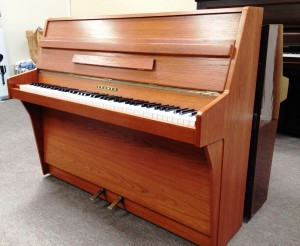 Light coloured Cramer piano. Very popular piano in it's day with a great action and overstrung frame. Super piano for a beginner or someone progressing through the grades.