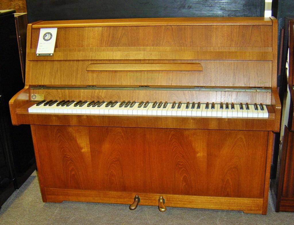 Squire & Longson Piano