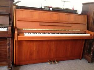 Yamaha piano M5J upright (1)
